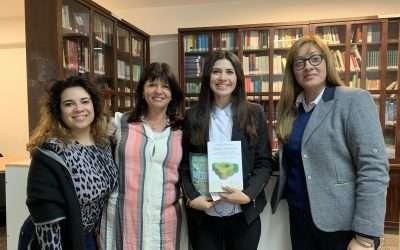 Libro de Mediación en la Biblioteca de la Universidad de Cuenca del Plata